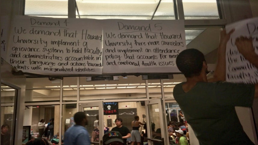 Howard University Students Protest Financial Aid Scandal With A Little Help From Rihanna