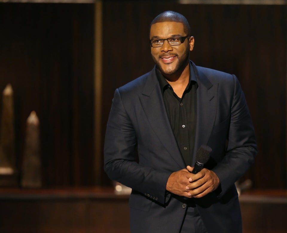 Tyler Perry Pays $432,000 In Layaway Debt At Two Walmarts