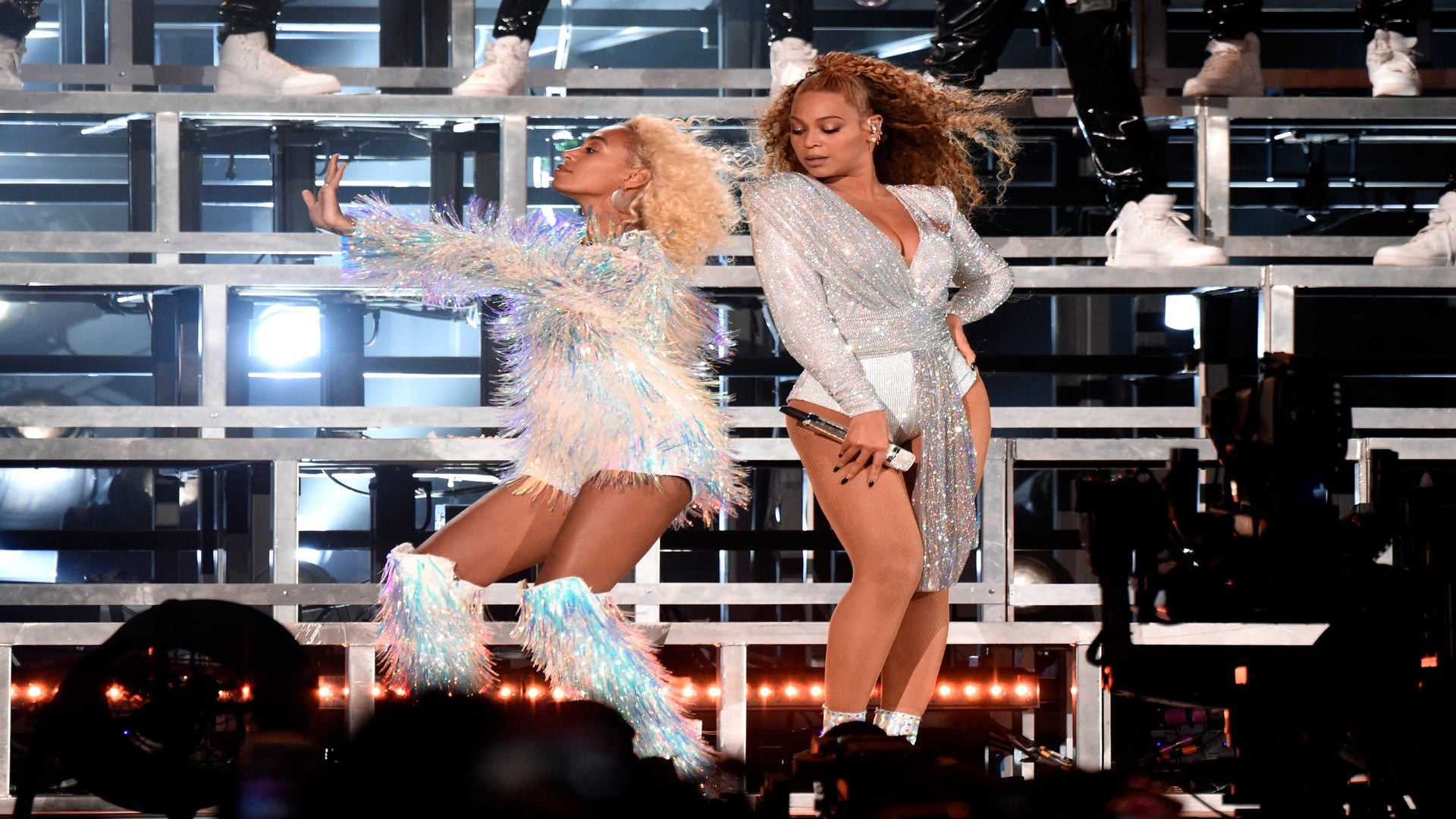 Beyoncé And Solange Recovered Fast After Falling Onstage During #Beychella