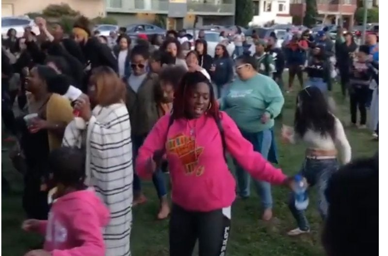 Black Oakland Throws A Protest Cookout In Same Park Where White Woman Called The Cops On Black Family For Grilling