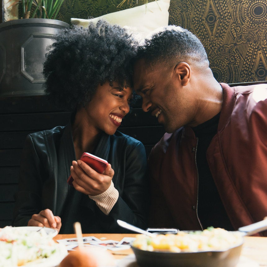 Are You So Much In Love That It's Unhealthy? Signs That You and Your Lover Are A Little Too Close