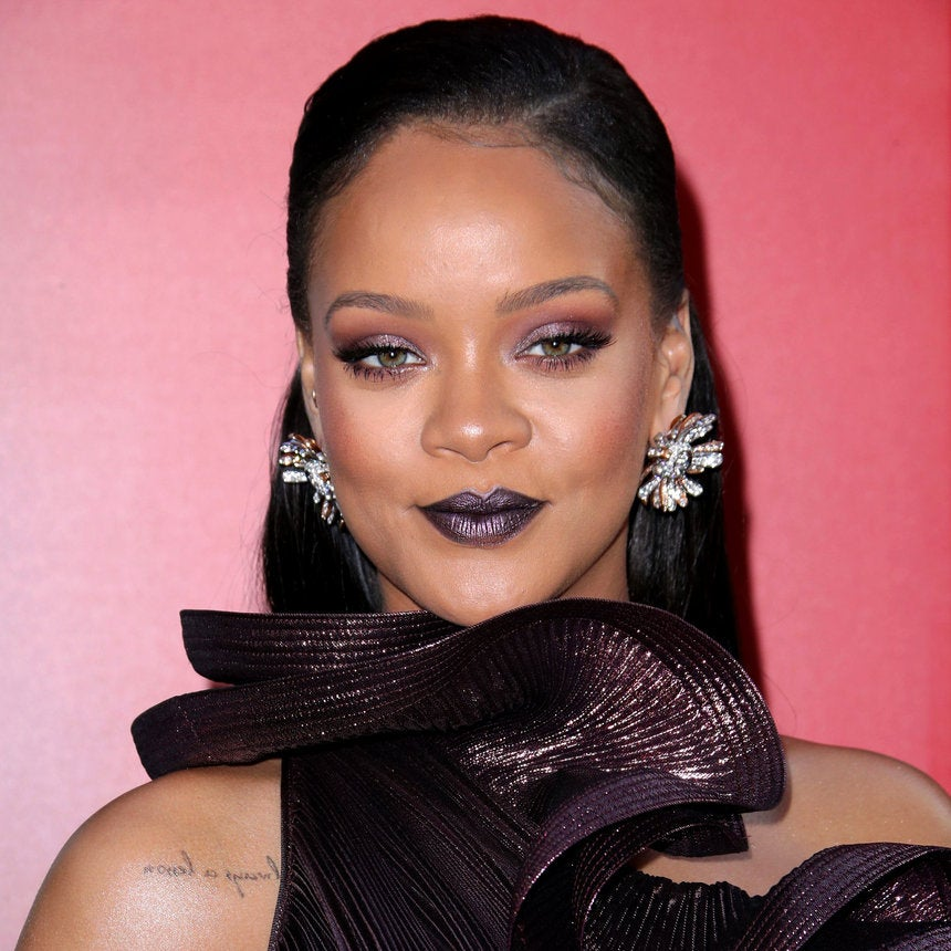 Rihanna Reportedly Turns Down Super Bowl Halftime Show To Support Colin Kaepernick