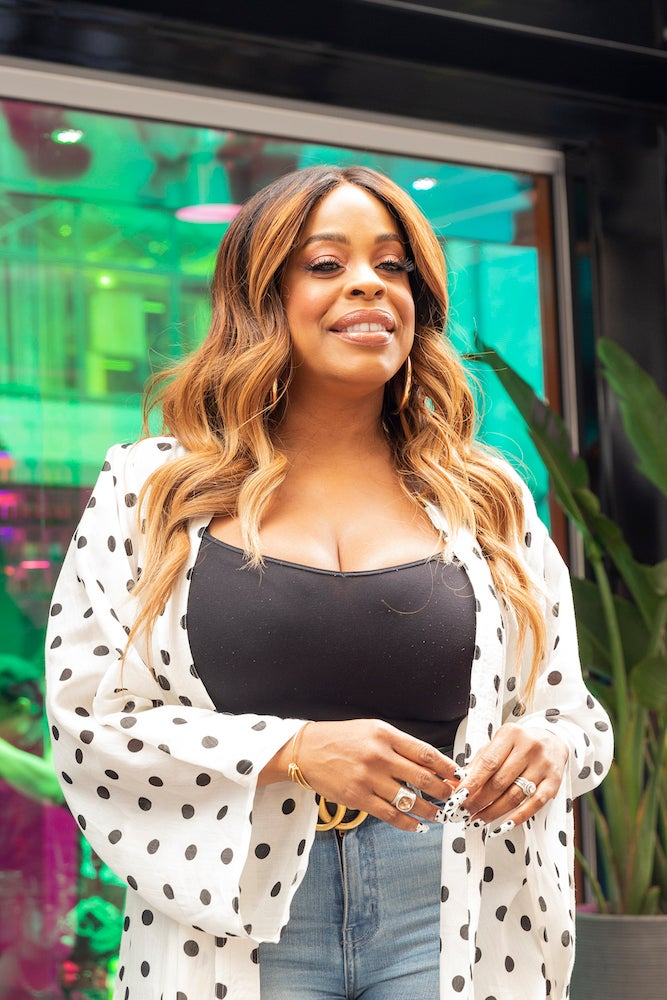 Niecy Nash May Be The First Late-Night Host Ever On TNT With 'Naked With Neicy Nash'