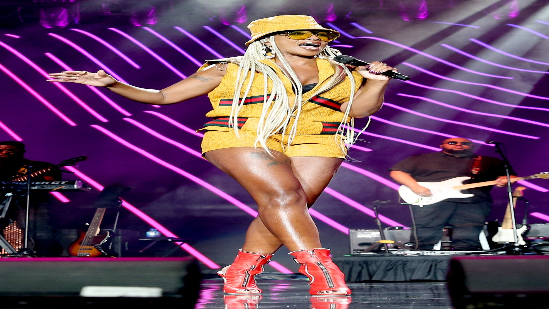 Mary J. Blige Lights Up The ESSENCE Fest Stage Wearing Exclusive Dapper Dan Outfits