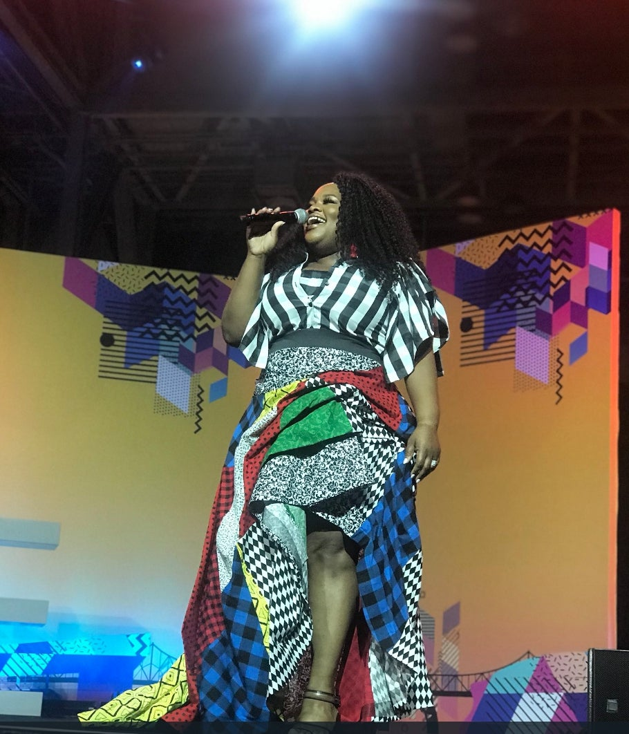 Watch Tasha Cobbs Take ESSENCE Fest To Church