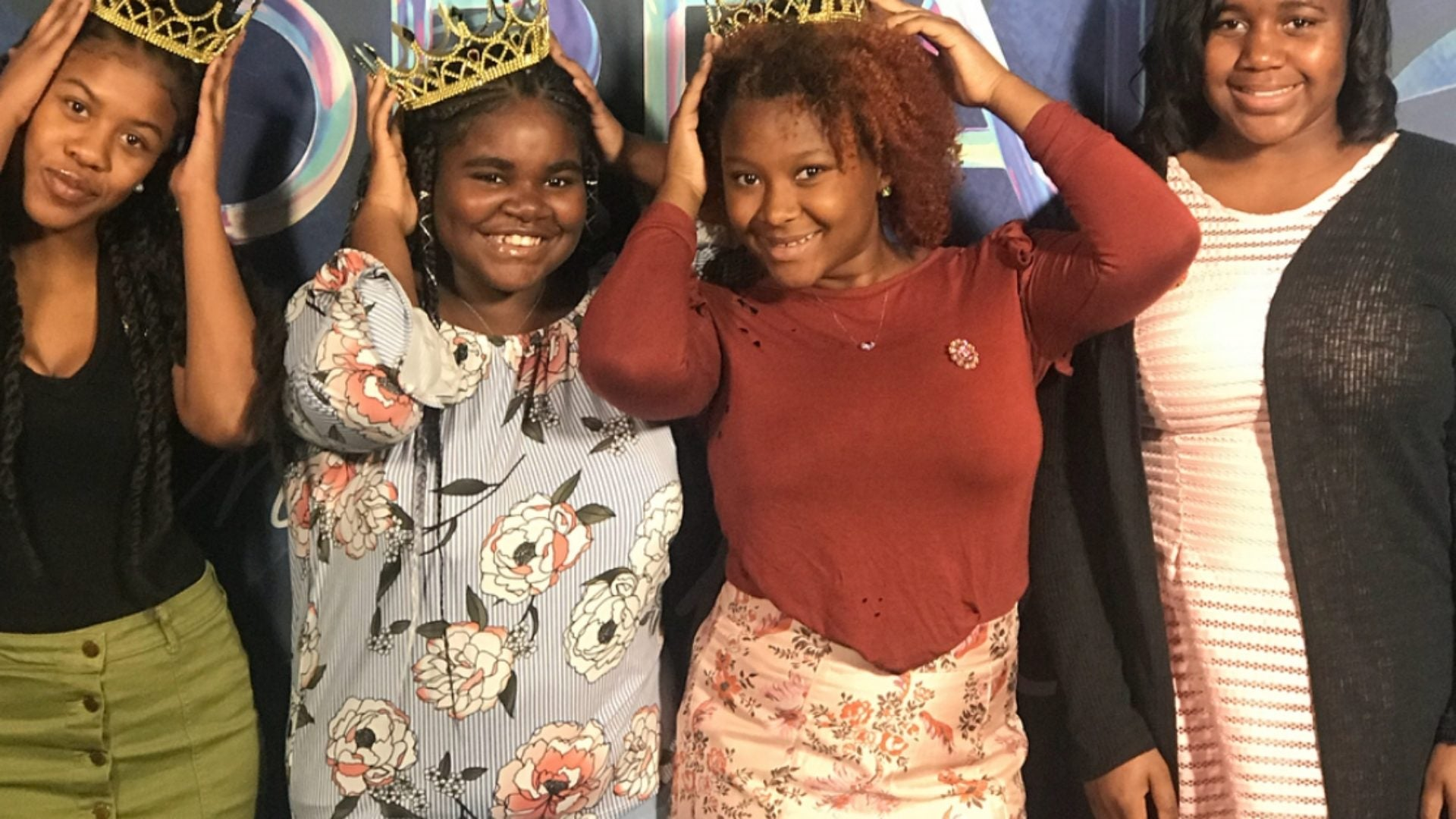 This Viral Campaign Had Black Queens Of All Ages Rocking Their Crowns Proudly At ESSENCE Fest…See The Pics!