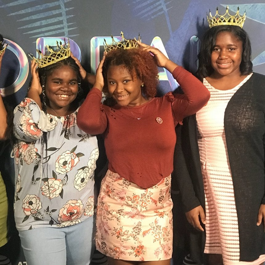 This Viral Campaign Had Black Queens Of All Ages Rocking Their Crowns Proudly At ESSENCE Fest...See The Pics!
