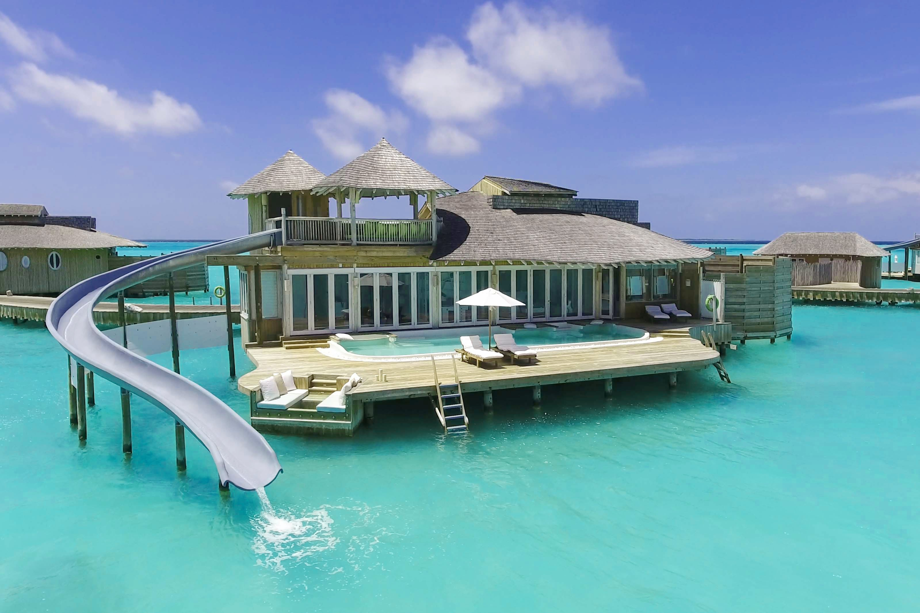 SwoonWorhty Overwater Honeymoon Bungalows  Essence