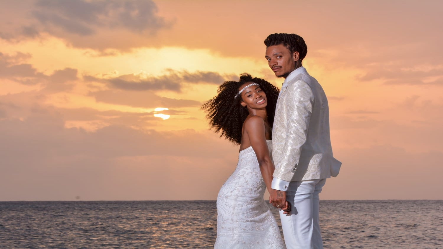 On The Run II Tour Dancers Say I Do In Jamaica! Friendship Brought Them Together, But Their Faith Made Them One