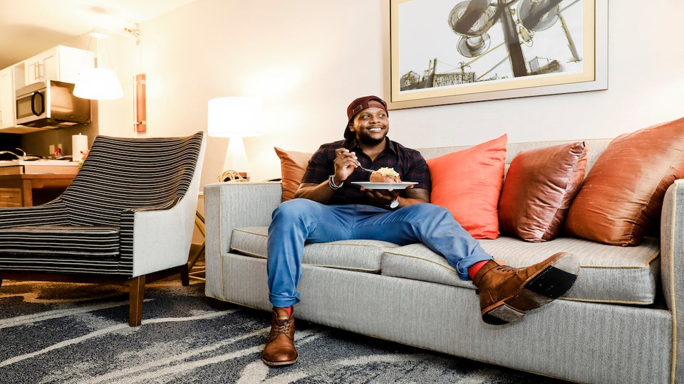 How Fit Men Cook's Kevin Curry Is Keeping Black Women on Track With Their Health and Fitness Goals