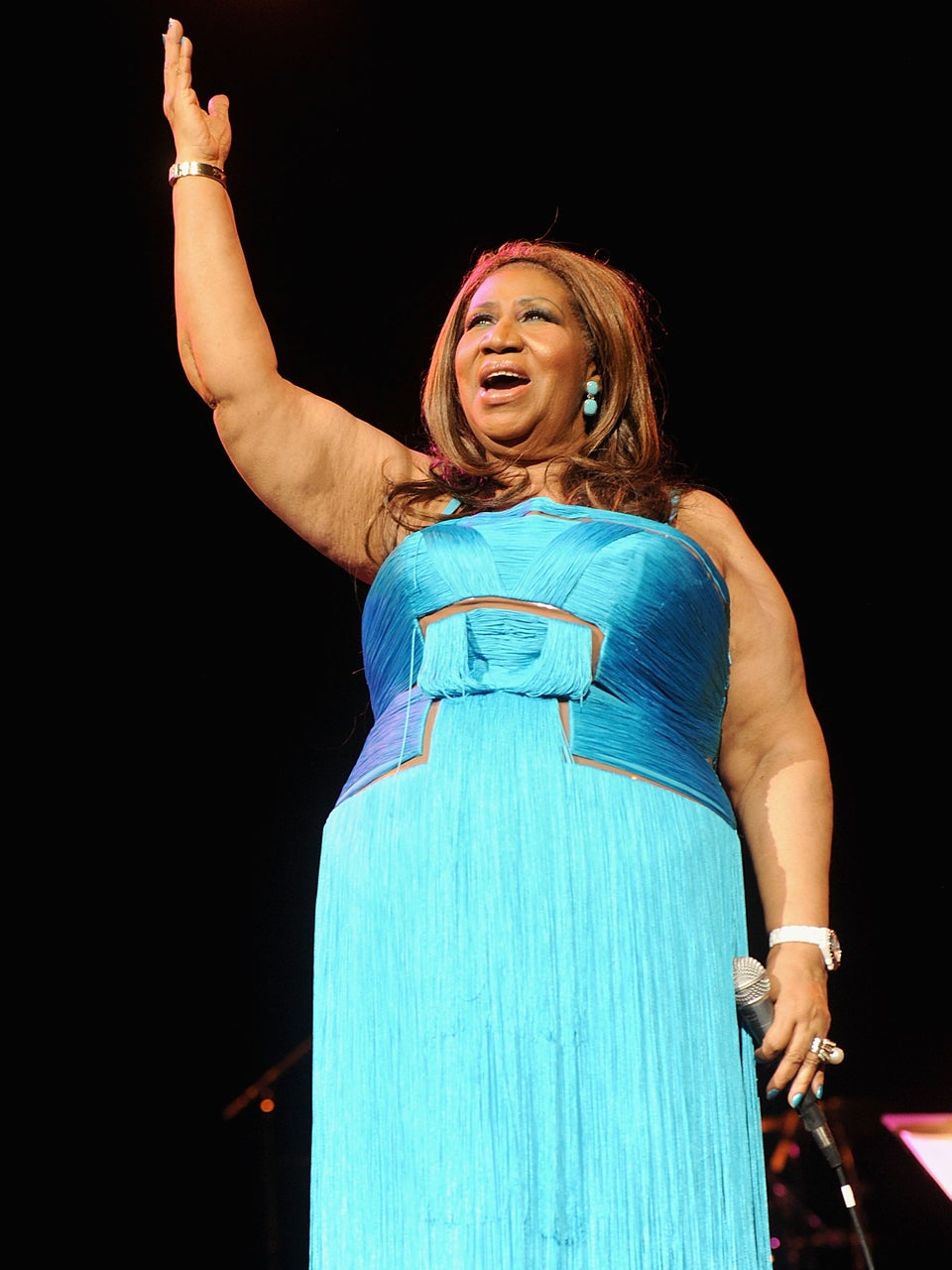 Aretha Franklin's Blue Dress Is The Final Outfit Change For Her Public Viewing