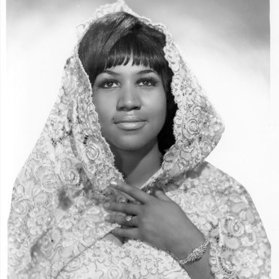 Fans Say Goodbye To Legendary Singer Aretha Franklin