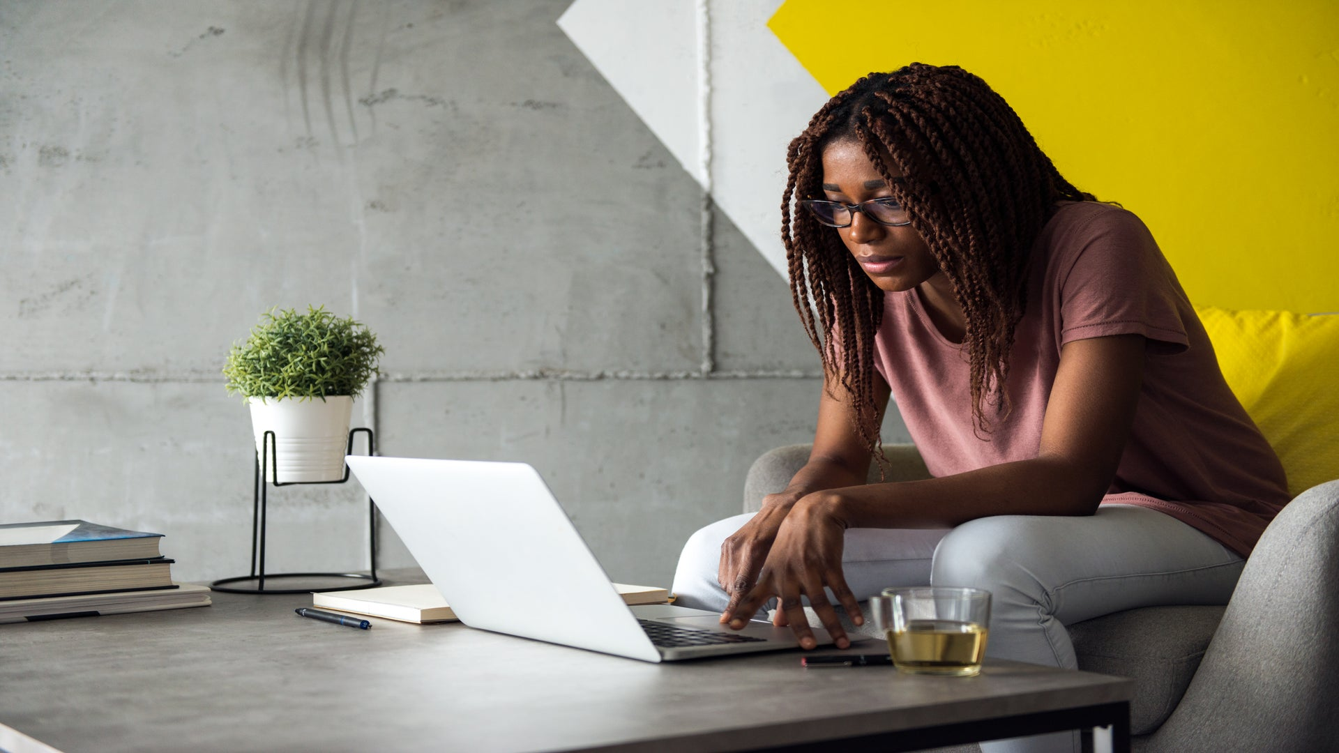 What It S Really Like To Be A Black Woman Job Hunting Women Share How To Stay Motivated During A Grueling Job Search