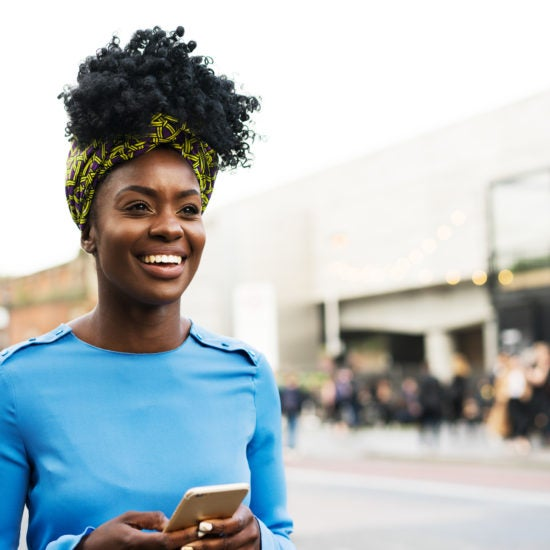 Here's How To Use Dating Apps To Be Your Own Wingwoman and Win At Love