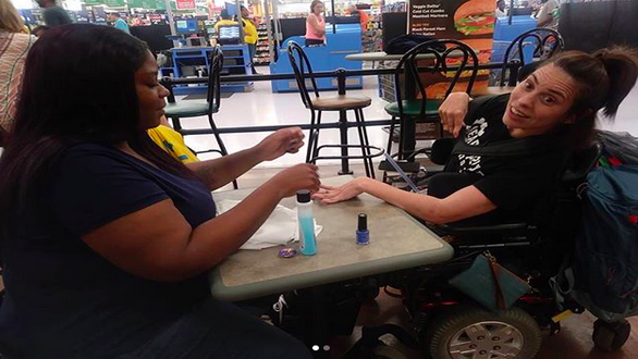 This Walmart Employee Painted A Disabled Woman's Nails And It's Truly Heartwarming