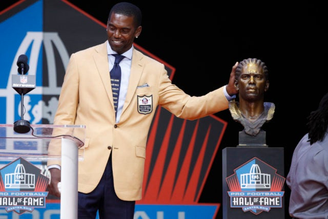 Randy Moss Honors Police Brutality Victims During NFL Hall Of Fame Induction