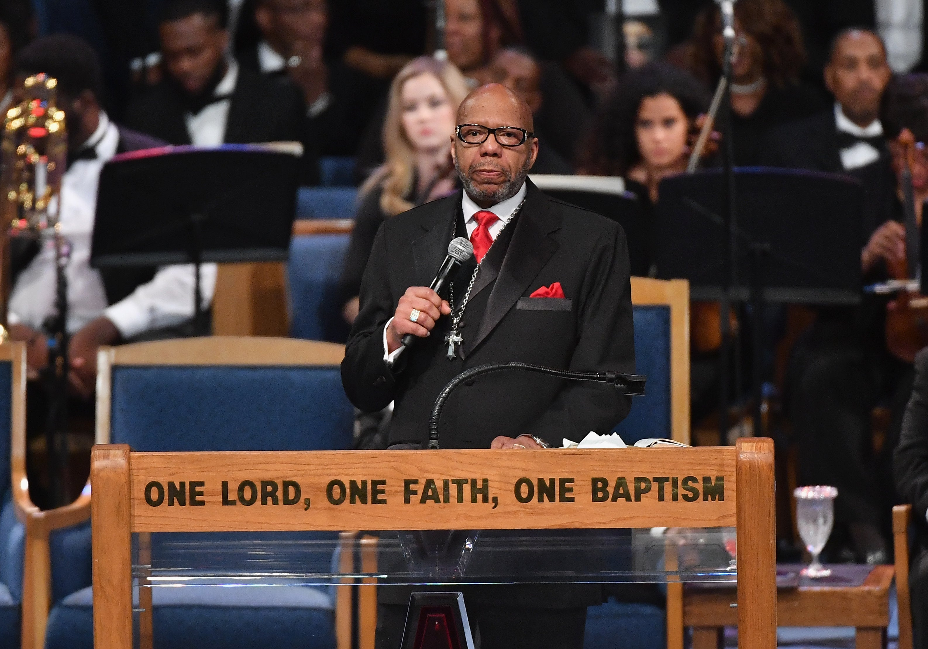 Aretha Franklin's Family Disappointed With Controversial Funeral Eulogy, Nephew Says