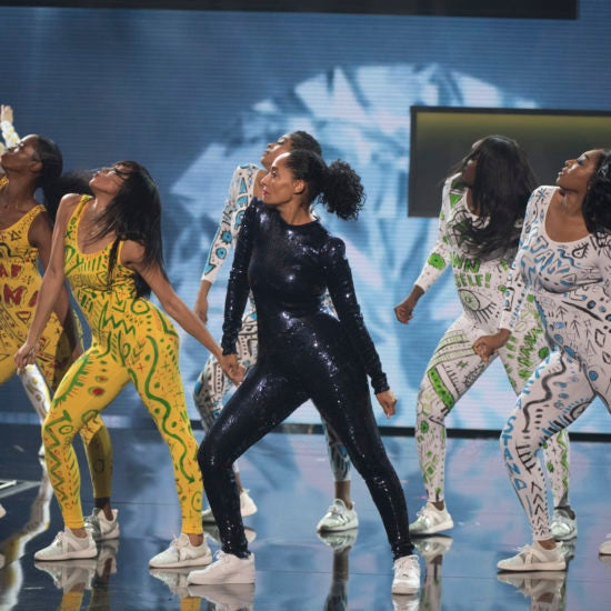 8 Trending Moments At The 2018 American Music Awards