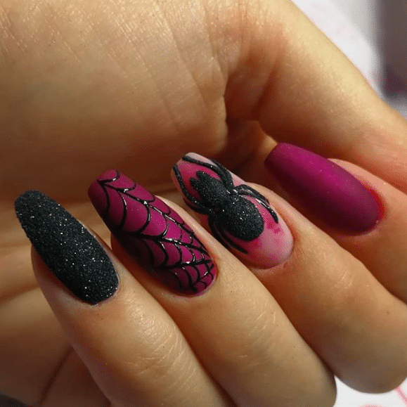Super Spooky Nails That Will Get You into the Halloween Spirit