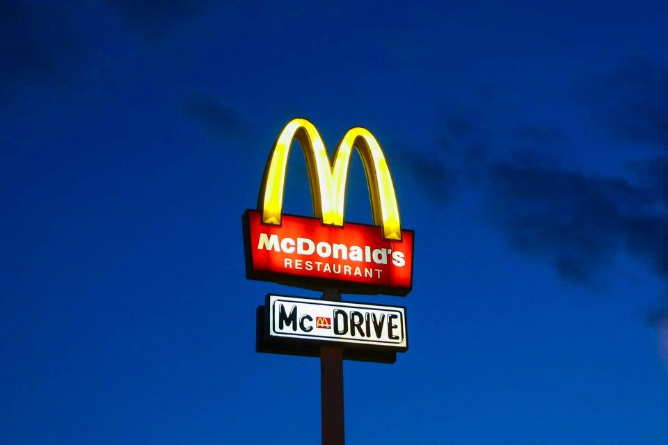White Man Pulls Gun On Black, Muslim Teens At McDonald's