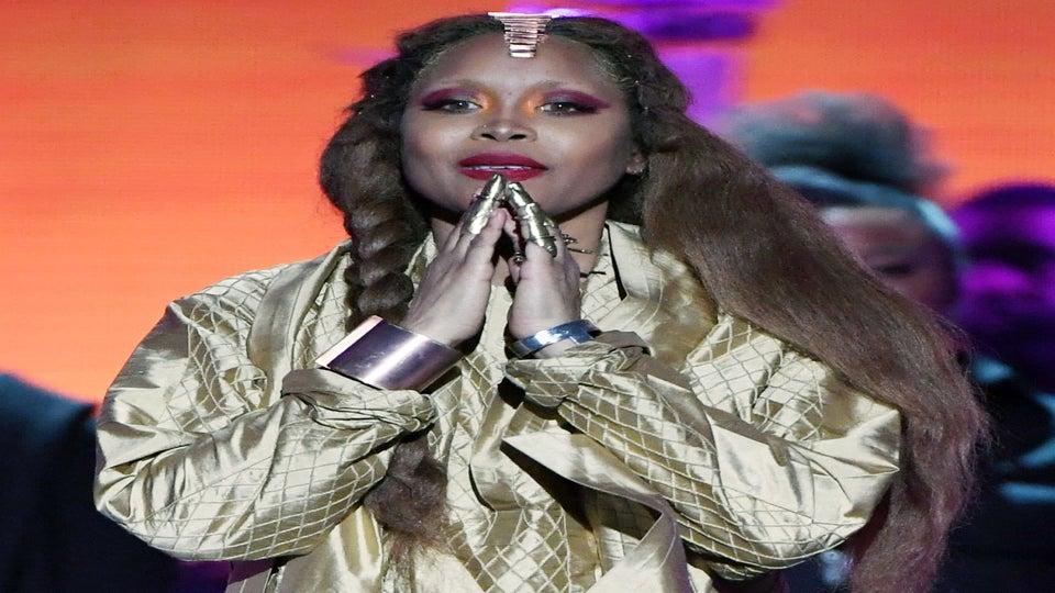 Faith Evans And Erykah Badu Stole The Show At 2018 Soul Train Awards