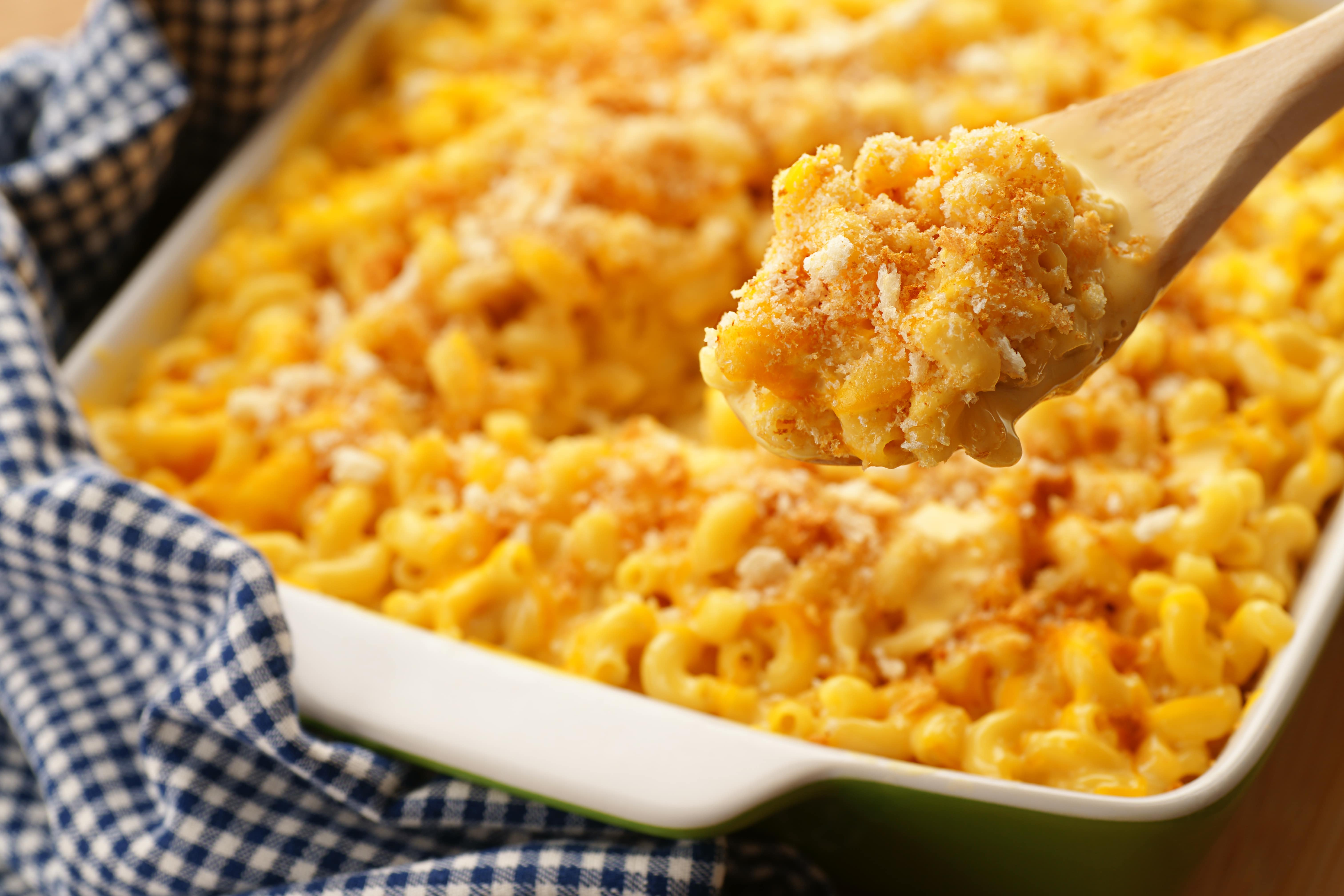 These Mac And Cheese Recipes Will Be A Hit On Your Thanksgiving Table