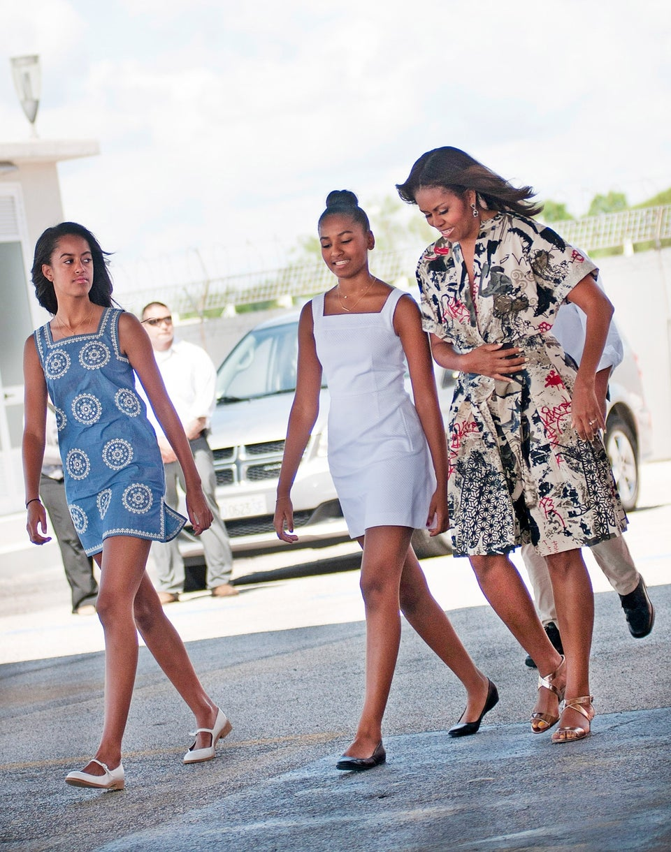 Michelle Obama Reveals What Daughter Sasha Does To Get Her Attention In A Crowd…And It's Hilarious