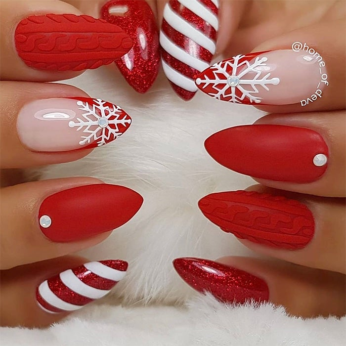 Get In The Holiday Spirit With This Super Cute Nail Art