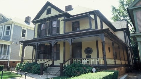 Dr. Martin Luther King, Jr.'s Birth Home Now Owned By National Park Service