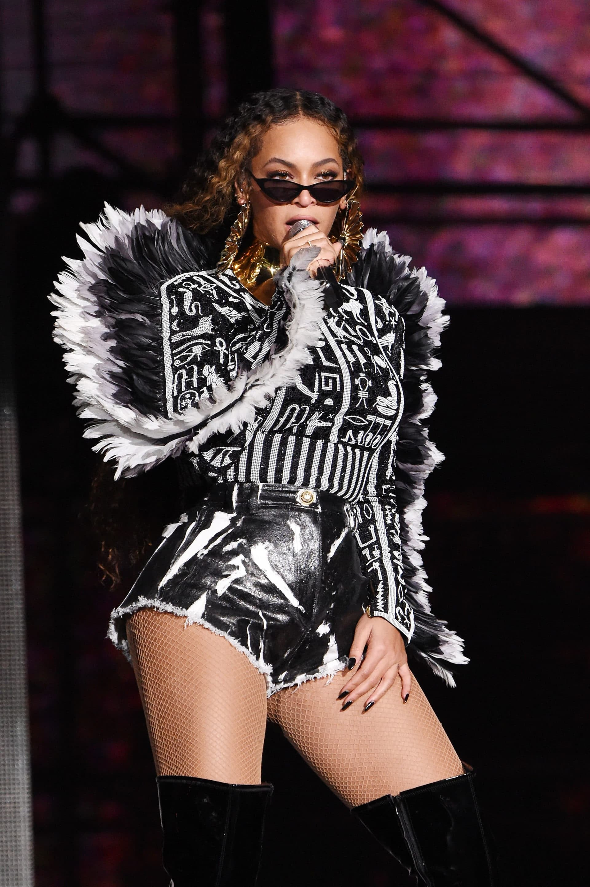 world stop beyoncé slays all of her outfits at south