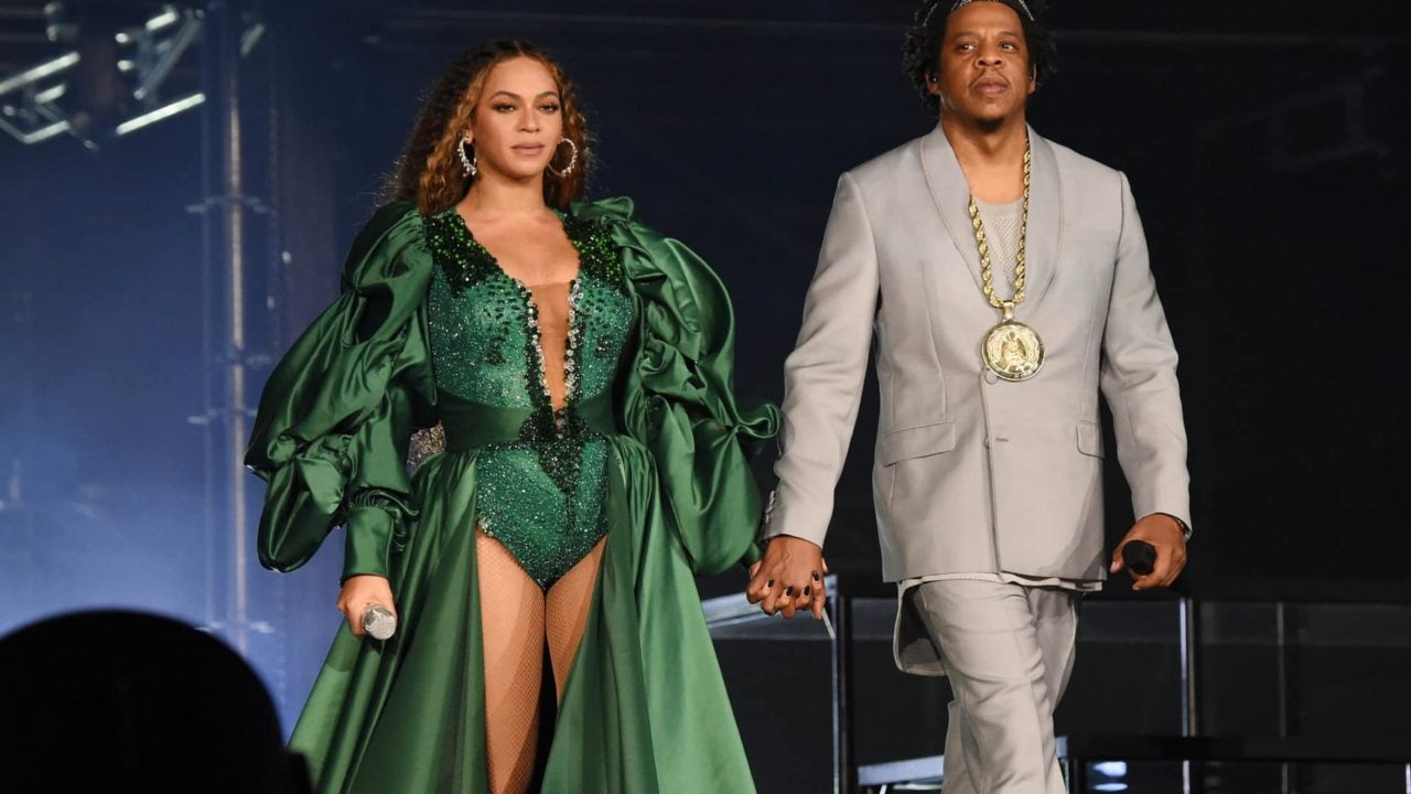 Watch Beyonce Lead 'Happy Birthday' Song To Husband Jay-Z