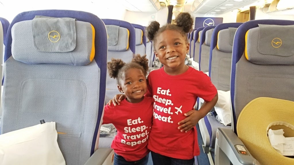 These Tips Will Make Traveling With Your Kids a Breeze This Holiday Season