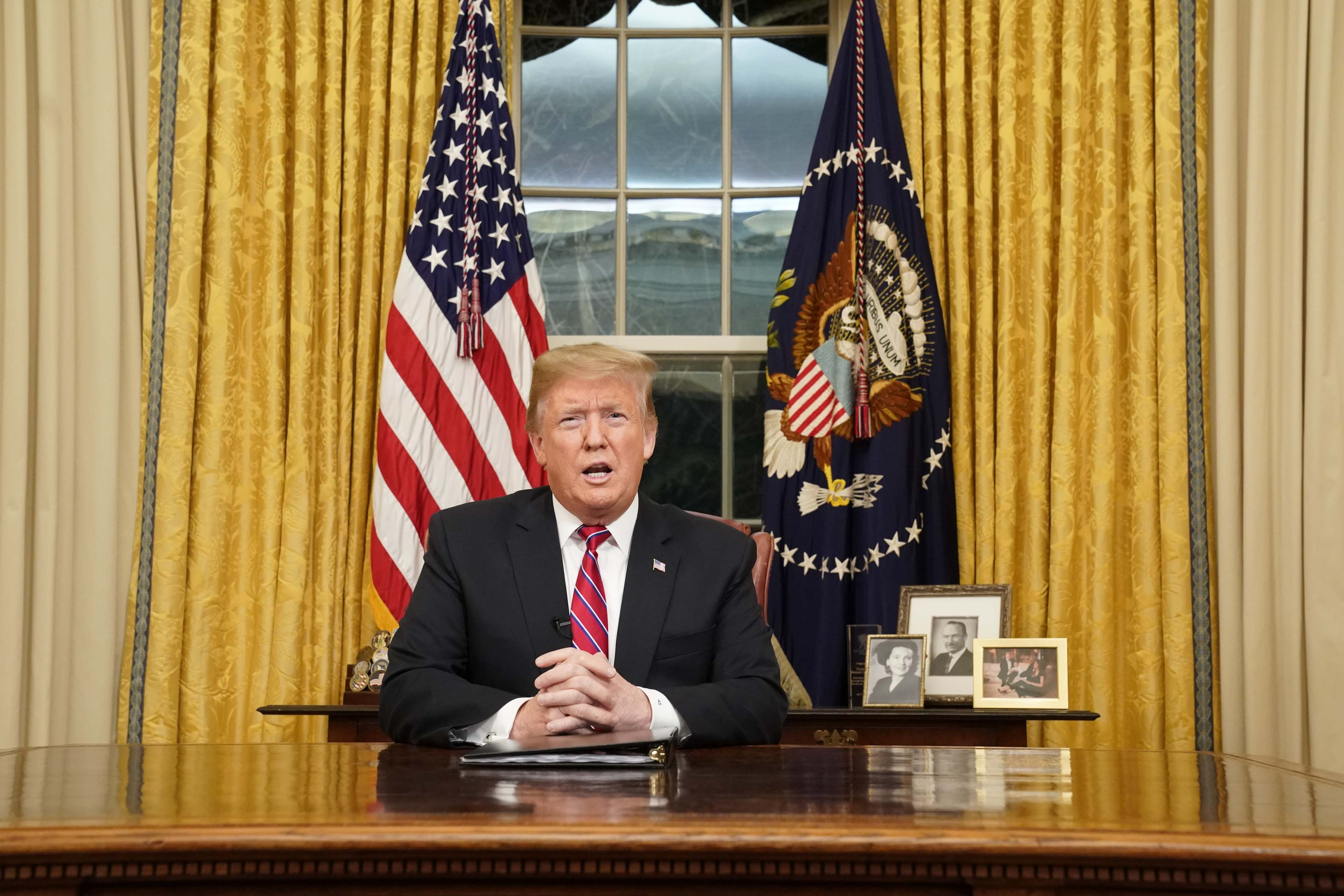 Trump Rants About Border Wall, Migrant Caravans Ahead Of State Of The Union Address