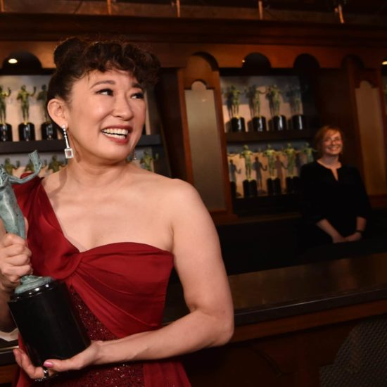 'Killing Eve' Star Sandra Oh Thanked These Three Black Actors For Encouraging Her Throughout Career At SAG Awards