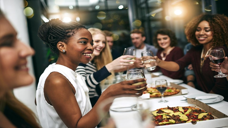 The Savvy Woman's Guide to Dinner Party Etiquette