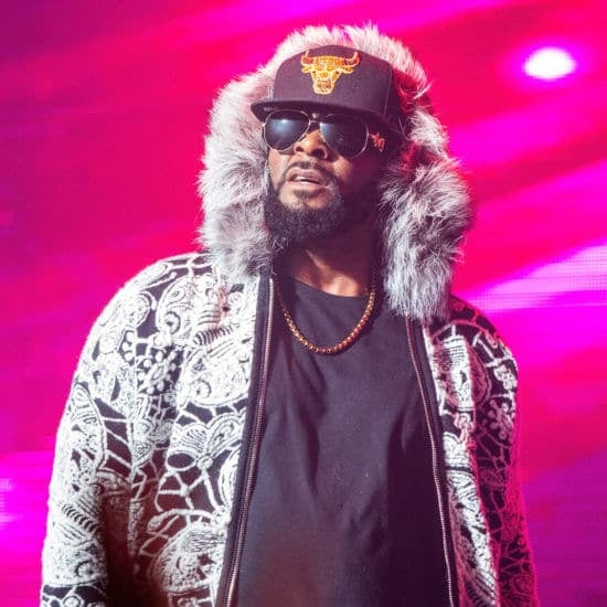 R. Kelly's Publicist Says Child Support Was Paid By 'Friends From All Across Chicago'
