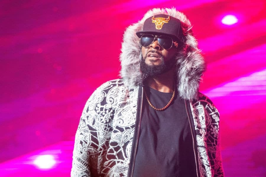 Op-Ed: Yes, R. Kelly Is Trash, But So Are Those Who Enabled Him ...