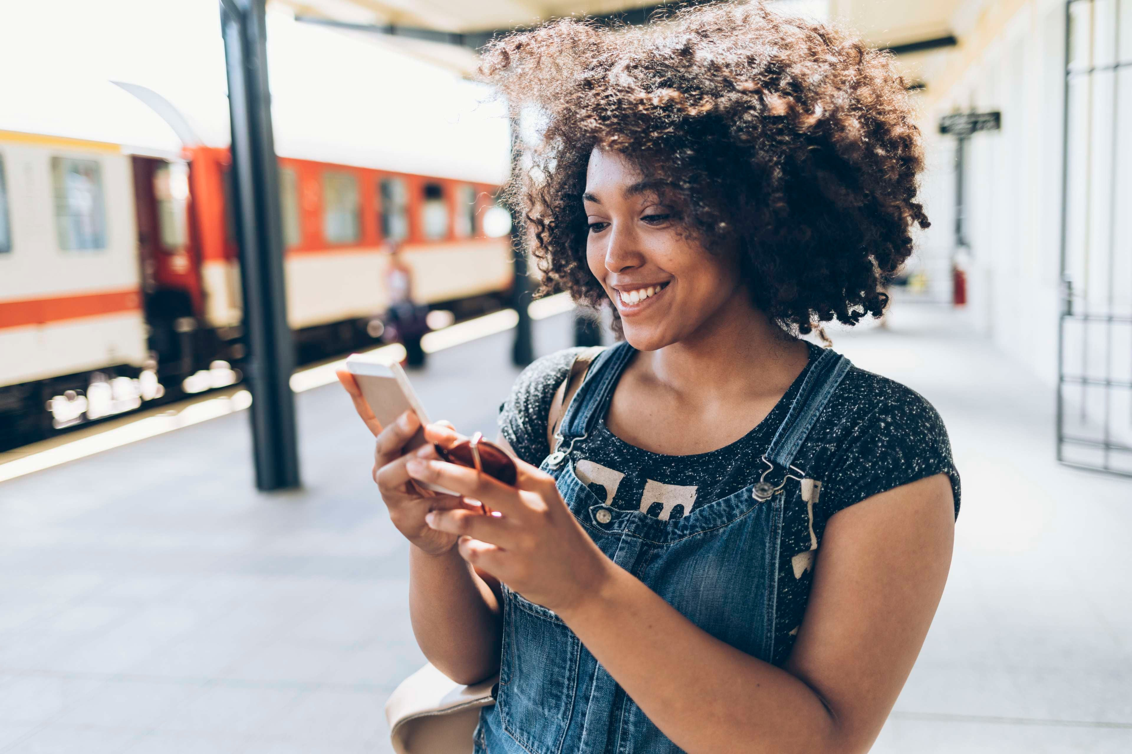 The Upgrade: 4 Apps For Women Who Travel Solo
