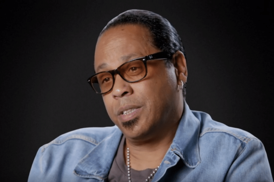 Music Executive Clarifies Relationship With R. Kelly After Appearing ...