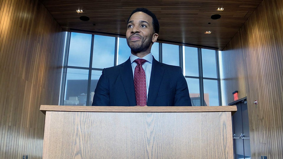 André Holland Is Playing A High Stakes Game In 'High Flying Bird'