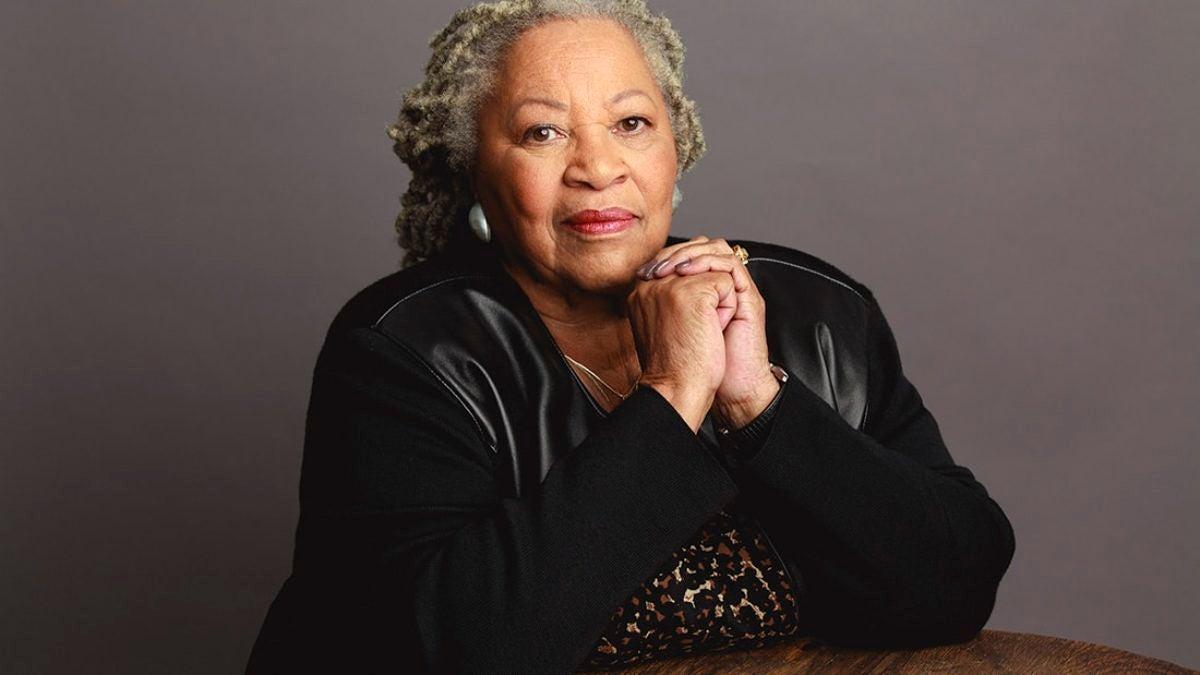 headshot of Toni Morrison (trending)