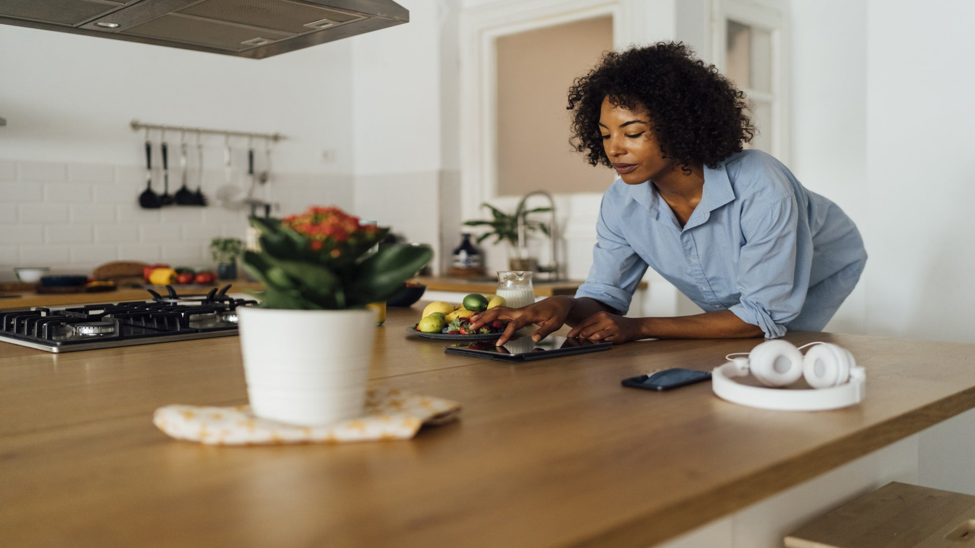 The Upgrade: 5 Tech Items That Will Make Your Home Life Easier