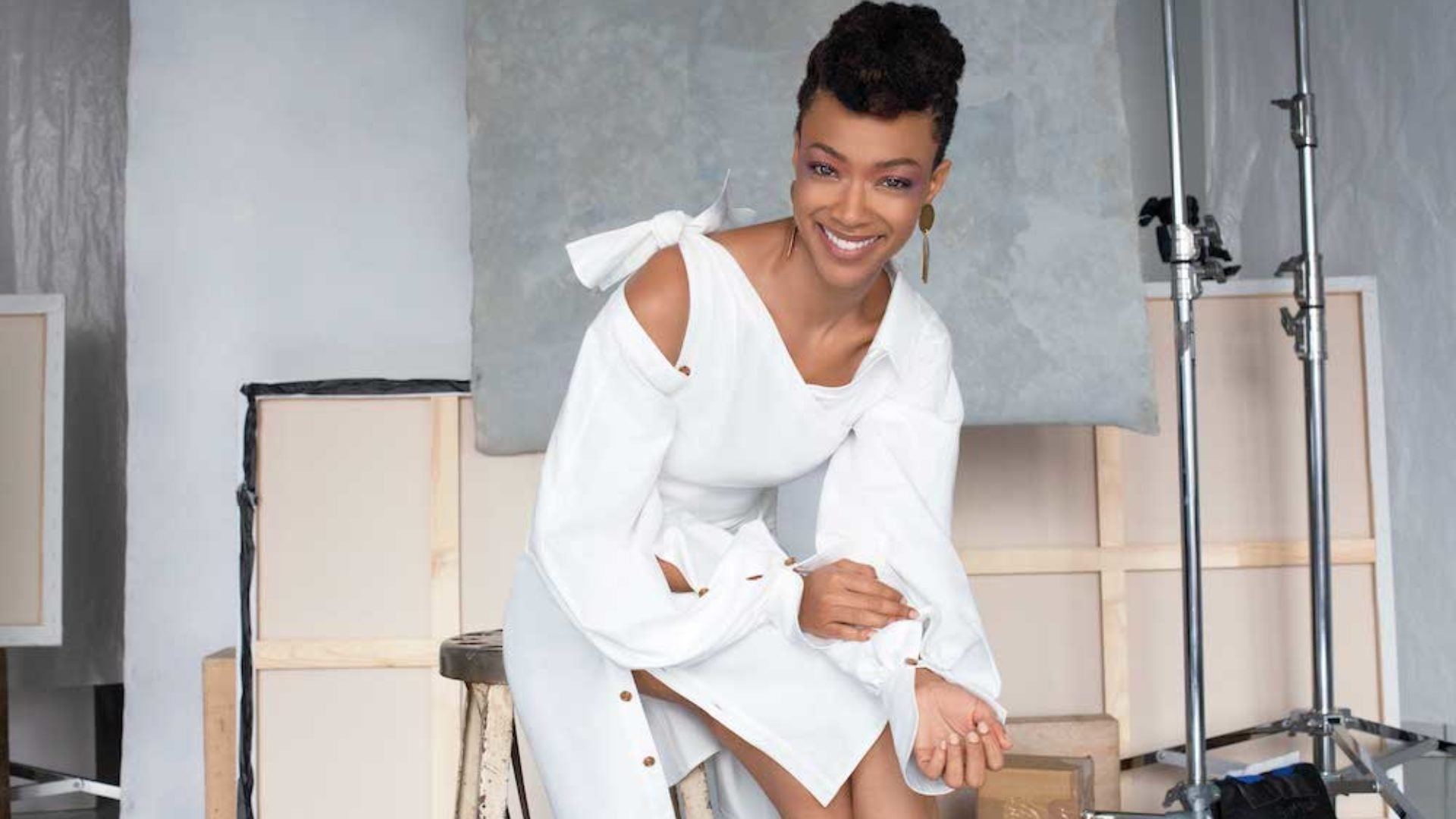 Sonequa Martin-Green Is A Black Woman Who Knows What Its Like To Be First