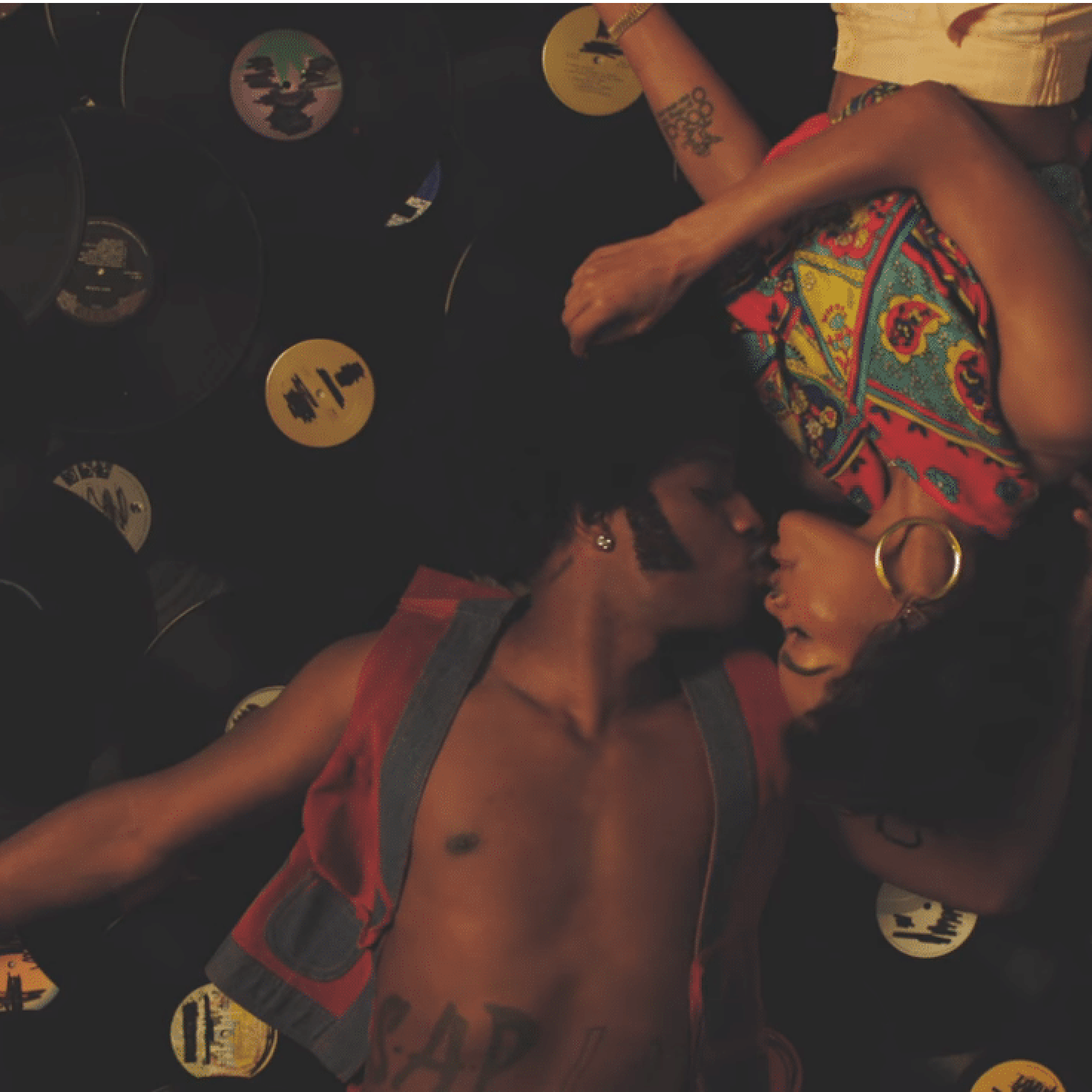 "What Were Listening To: Teyana Taylor Directs 70s-Set Video For ""Issues/Hold On"""