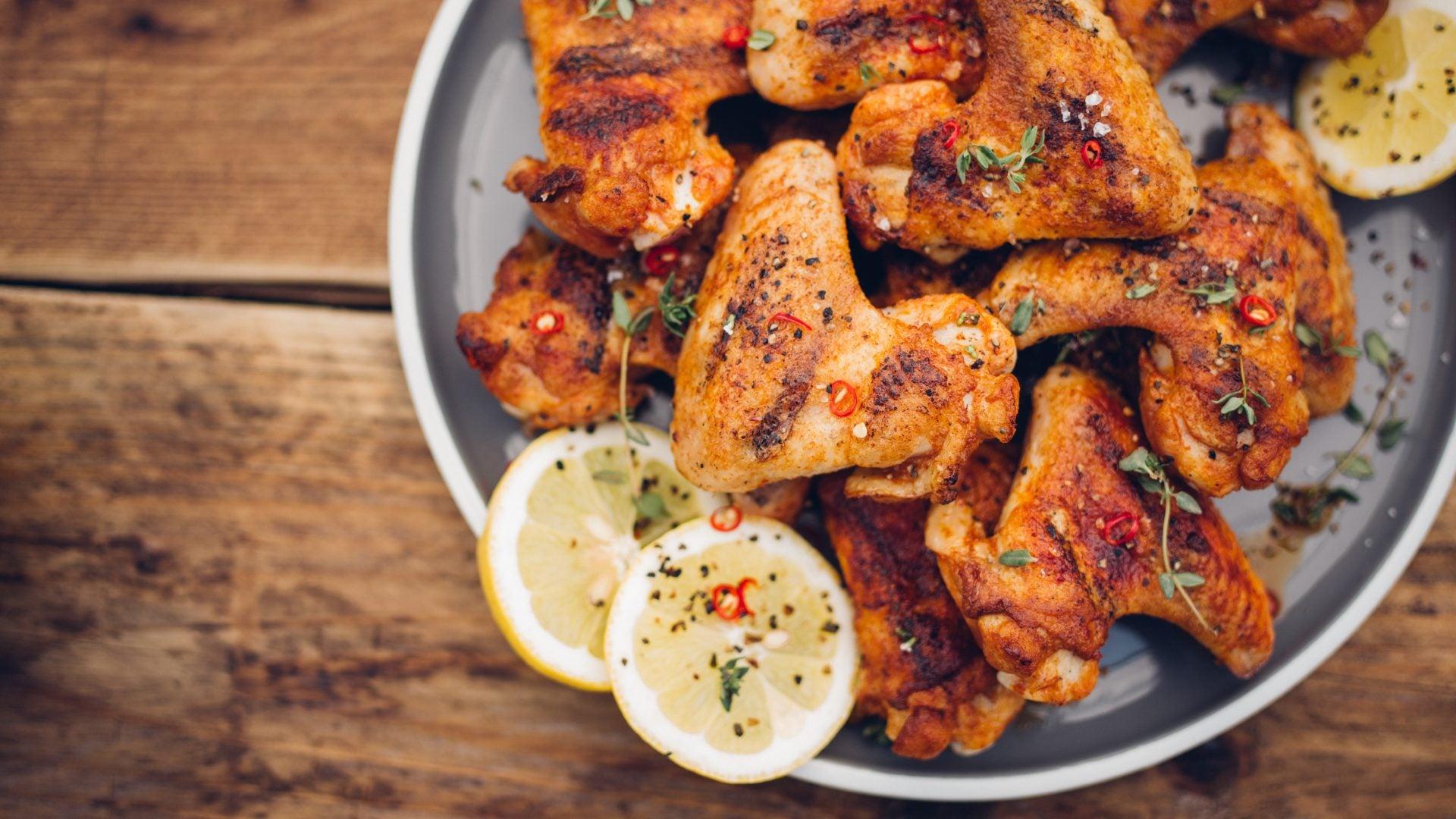 5 Slamming Chicken Wing Recipes to Try Tonight!