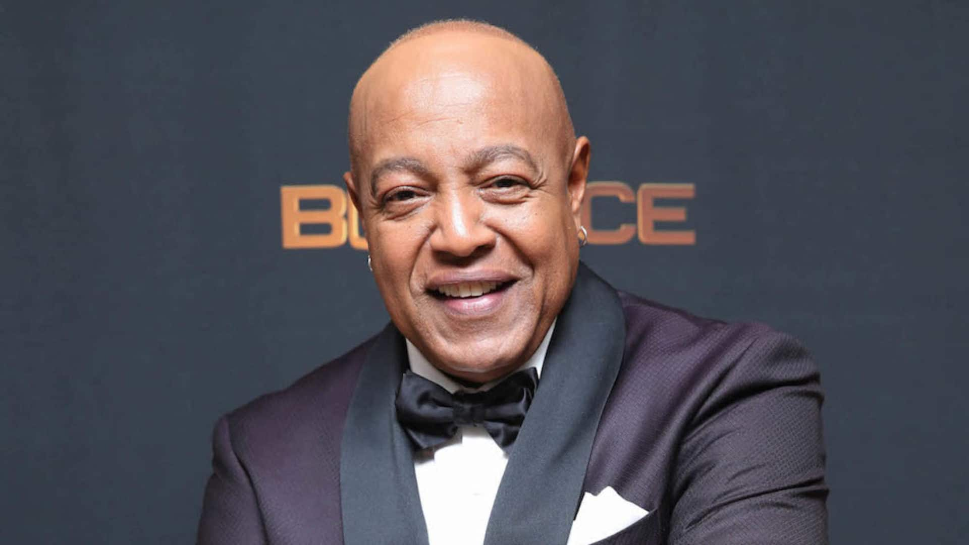 Peabo Bryson Meets First Responders Who Saved His Life After Suffering Heart Attack