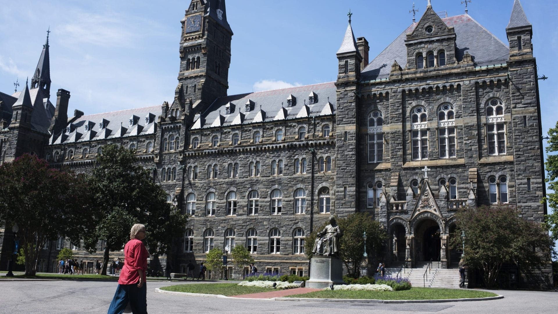 Georgetown University Students Vote In Favor Of Slavery Reparations Fund