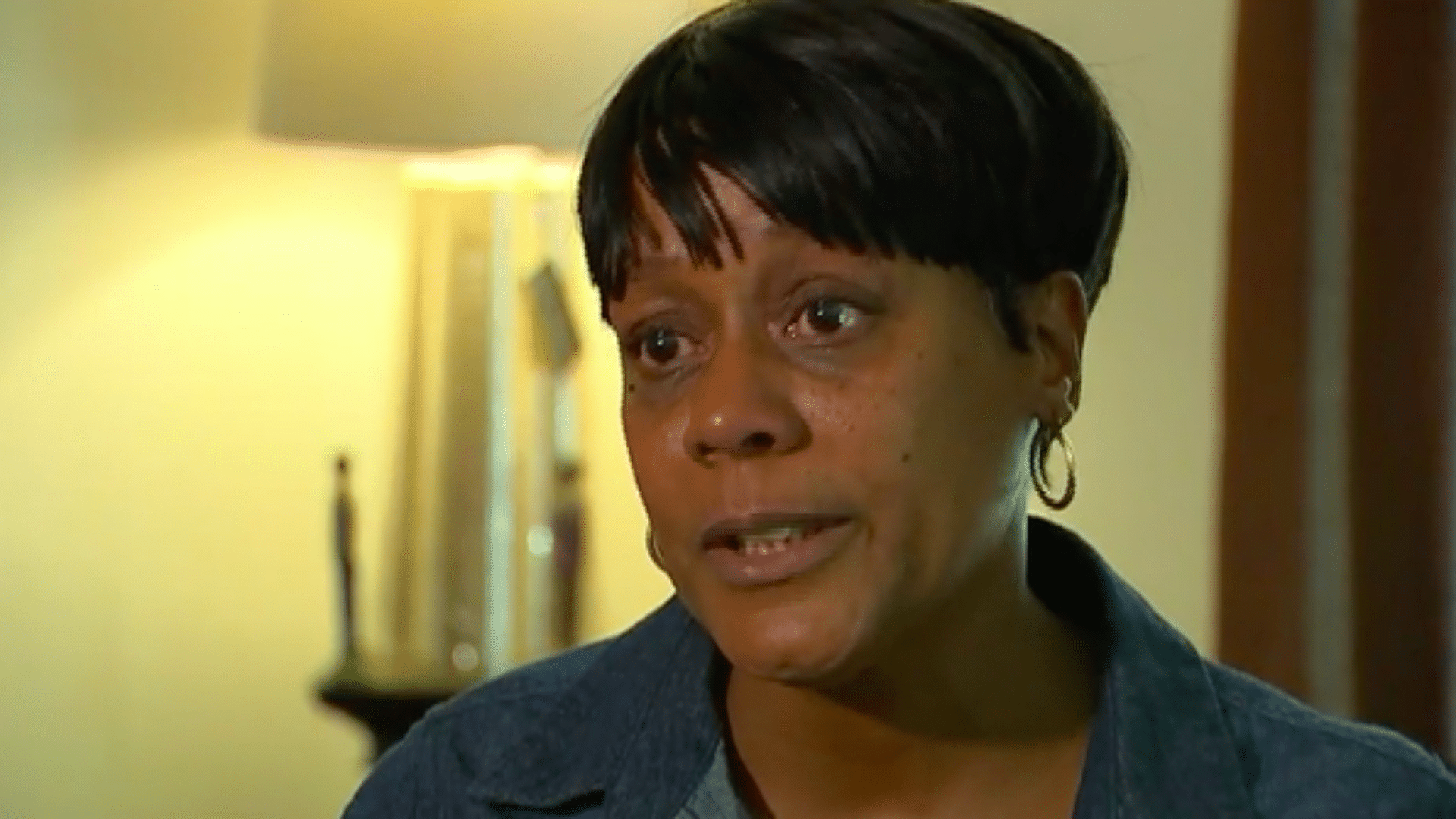 Black Woman Arrested After Complaining About Vomit On Daughter's Seat On Frontier Flight