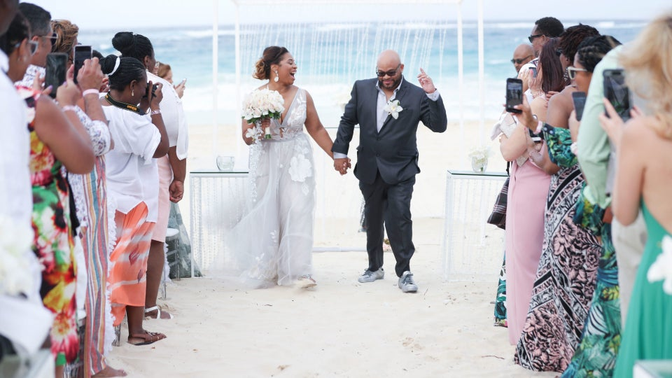 Bridal Bliss: Dorian and Darryl Did It Their Way With This Laid-Back Beach Wedding