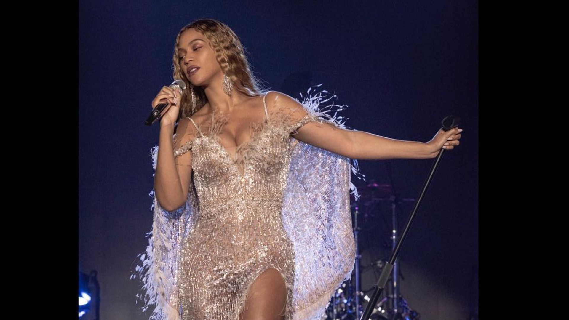 Beyoncé's Vogue Portrait Is Being Acquired By The Smithsonian's National Portrait Gallery